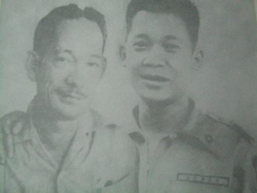 Isang composite na larawan nina Chino Roces at Ninoy Aquino noong kanilang panahon sa Manila Times.  Mula sa aklat na Chino ni Vergel Santos.