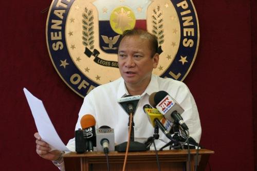"""Si Ramon """"Jun"""" Magsaysay sa Senado."""
