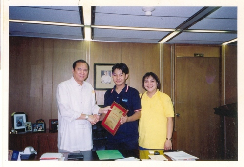 Senador JunMag, Xiao Chua at inang si Vilma.  Philippine International Convention Center, Enero 1999.