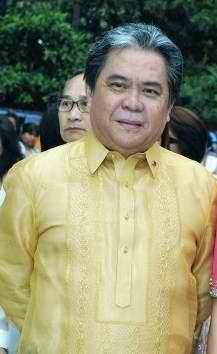 Rigoberto Tiglao, dating aktibista at tagapagsalita ng Pangulong Gloria Arroyo.  Mula sa athenspe.net.