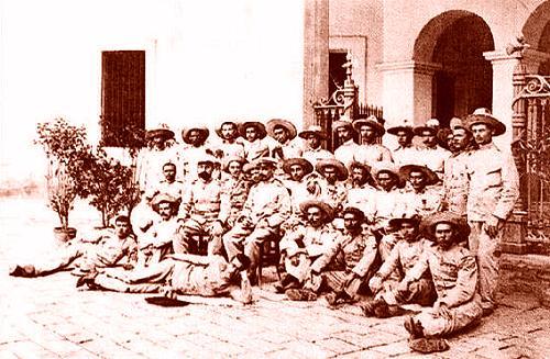 Ang mga huling Espanyol na sumuko sa mga Pilipino sa Baler, 1899.