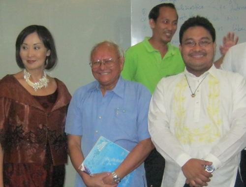 Gemma Cruz-Araneta, Dr. Luis Camara Dery at Xiao Chua sa Pambansang Komisyong ng Pilipinas noong February 17, 2013.  Mula sa Sinupan ng Aklatang Xiao Chua