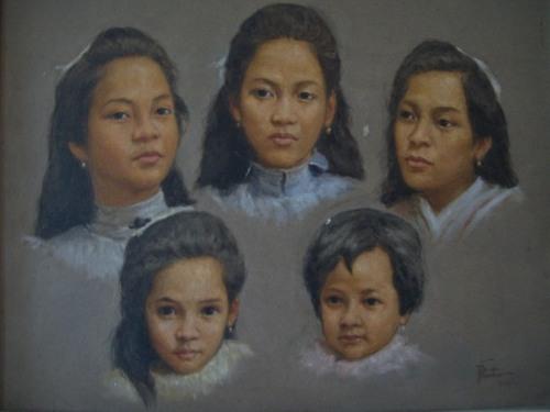 Ang mga anak nina Felipe at Marcela Agoncillo.  Mula sa Dambanang Pangkasaysayang Marcela Agoncillo sa Taal, Batangas.  Kuha ni Xiao Chua.