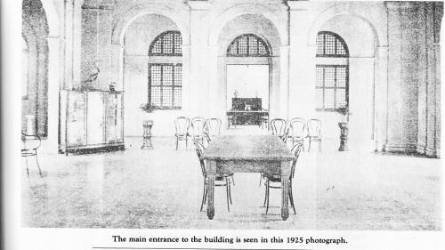 Mula sa La Salle: 1911-1986.
