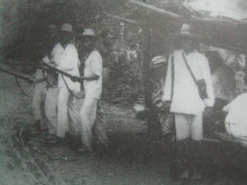 Ang mga rebolusyunaryo ng Baler. Mula sa Amistad Duradera