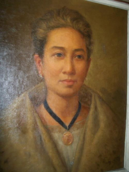 Marcela Agoncillo.  Mula sa Dambanang Pangkasaysayang Marcela Agoncillo sa Taal, Batangas.  Kuha ni Xiao Chua.