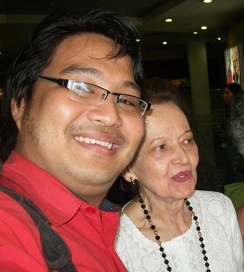 Si Xiao Chua kasama si Beth Day Romulo, Trinoma, 2011.