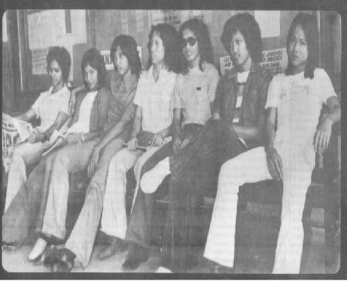Ang mga Iskolar ng Bayan na naka-bell bottom, Dekada 1960s.