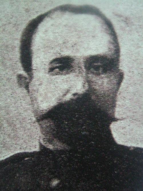 Tinyente Saturnino Martin Cerezo.  Mula sa Pacto de Sangre.