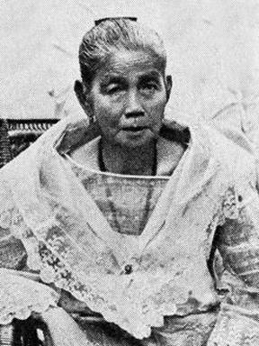 Trinidad Famy Aguinaldo.  Ina ng Pangulong Heneral.  Active sa pag-angat ng kanyang anak sa kapangyarihan.