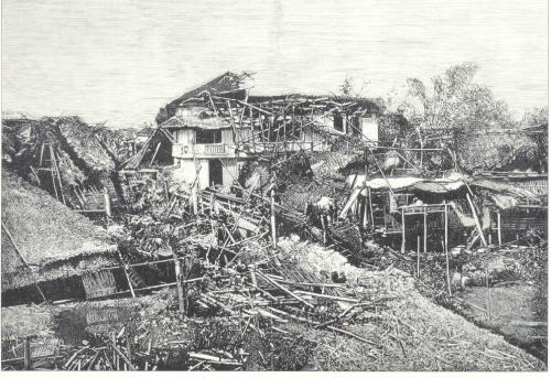 Guho ng isang bahay kubo noong lindol ng 1880.  Mula kay Dr. Jaime B. Veneracion.