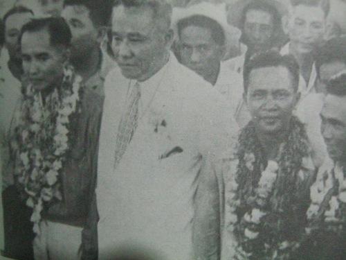 Si Ka Luis Taruc habang umiikot sa buong Pilipinas upang ikampanya ang reporma sa lupa na nais ipatupad ng Pangulong ferdinand Marcos.