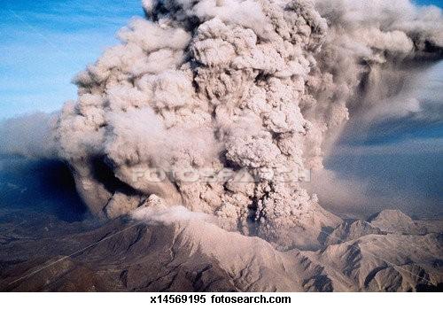 Pagsabog ng Mt. Pinatubo mula sa himpapawid.