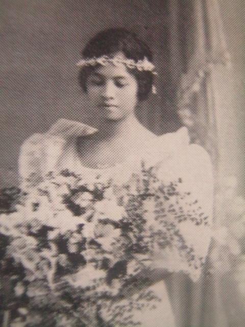 Remedios Trinidad sa araw ng kanyang kasal.  Mula kay Carmen Pedrosa.