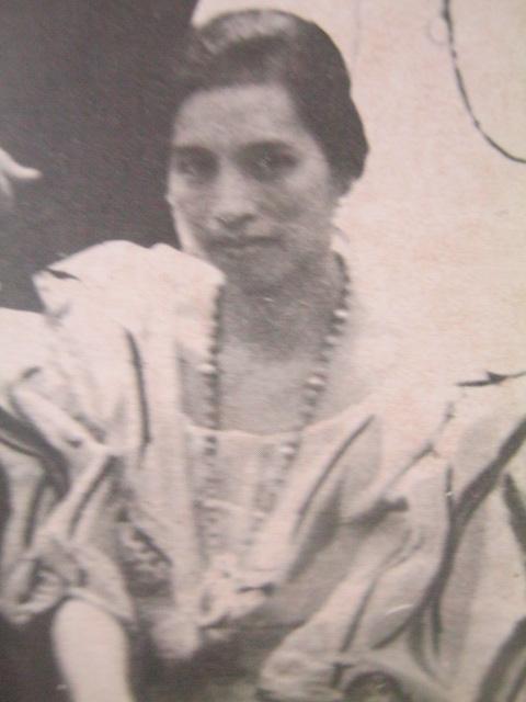 Remedios Trinidad Rmoualdez.  Mula kay Carmen Pedrosa.