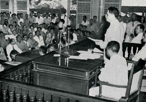 From tumblr.malacanang.gov.ph:  President Manuel Roxas, as he delivers his first State of the Nation Address, on June 3, 1946.