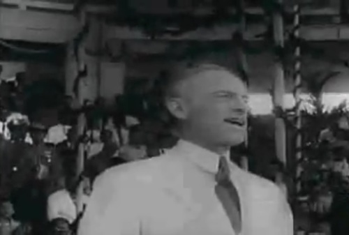 "Si Senador Millard E. Tydings.  Mula sa newsreel na ""Philippine Independence."""
