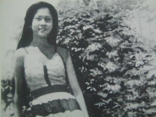 Ang larawan ni Imelda na masasabing paborito ni Pangulong Marcos, naiwan ito sa kanyang mesa noong EDSA 1986.  Mula kay Carmen Pedrosa.