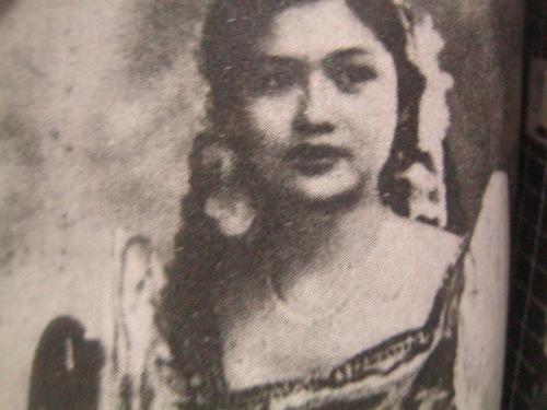Ang batang Imelda.  Mula kay Carmen Pedrosa.