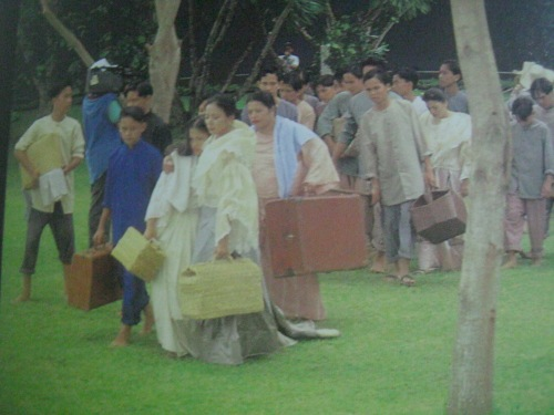 """Dramatisasyon ng pag-lisan ni Rizal sa Dapitan noong 1896 sa pelikulang """"Rizal sa Dapitan.""""  Mula sa """"Rizal:  In Excelsis"""" ng Studio 5 Designs."""