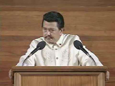 Si Erap Estrada habang nagso-SONA.