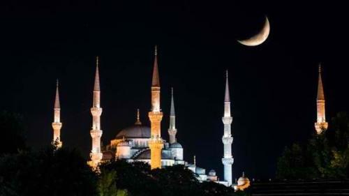 Kanina, unang idineklara ng Saudi ang pagsisimula ng Eid nang magpakita sa crescent moon sa kanilang bansa.  Nasa larawan ang Hagia Sophia sa Turkey.  Mula sa english.alarabiya.net.