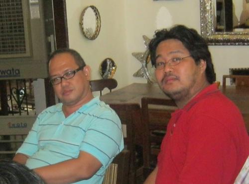 Si Xiao Chua at Jose Victor Torres, 2013, mula sa Koleksyon ng Aklatan ng Sinupang Xiao Chua.