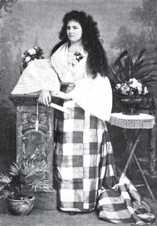 Si Josephine Bracken sa kasuotang Pilipino.  Mula sa Wikipedia.