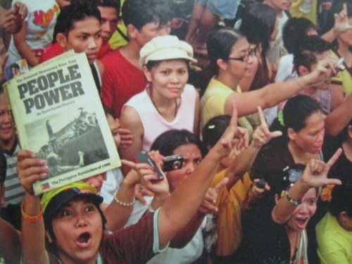 Naulit ang People Power.  Mula sa Cory Magic:  Her People's Stories.