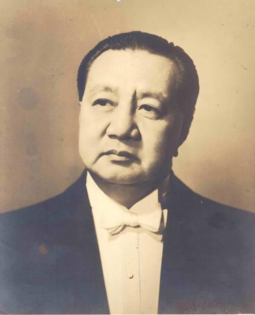 Elpidio Quirino.  Mula sa Wikipedia.