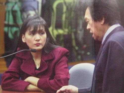 Uminom po ng iced tea, hindi po niya kinain, your honor:  Sagot ni Emma Lim kay Atty. Estelito Mendoza.  Mula sa Bayan Ko!