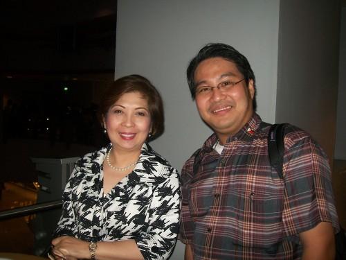 Si Xiao Chua at si Ma'am Clarissa Ocampo, 2011.  Mula sa Koleksyon ng Sinupang Xiao Chua.