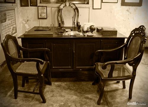 Rekreasyon ng tanggapan ni Kong. Floro Crisologo.  Mula sa Crisologo Memorabilia Museum sa Vigan, Ilocos Sur.