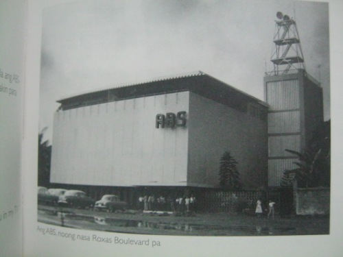 Opisina ng Alto Broadcasting Company sa Roxas Blvd.  Mula sa talambuhay Dolphy.