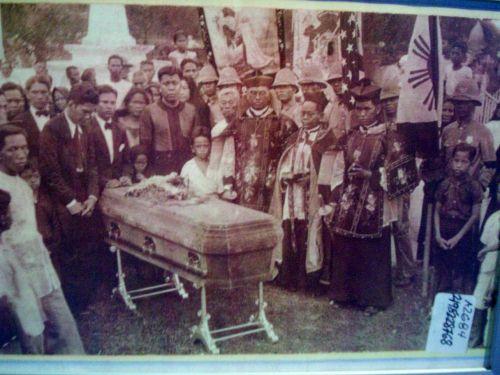 Recuerdos de Patay sa Pampanga.  Mula sa Juan D. Nepomuceno Center for Kapampangan Studies.