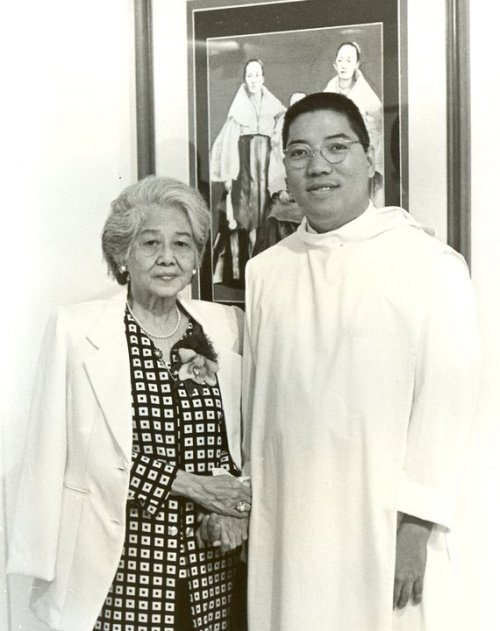 Asuncion Lopez Bantug and Ambeth Ocampo